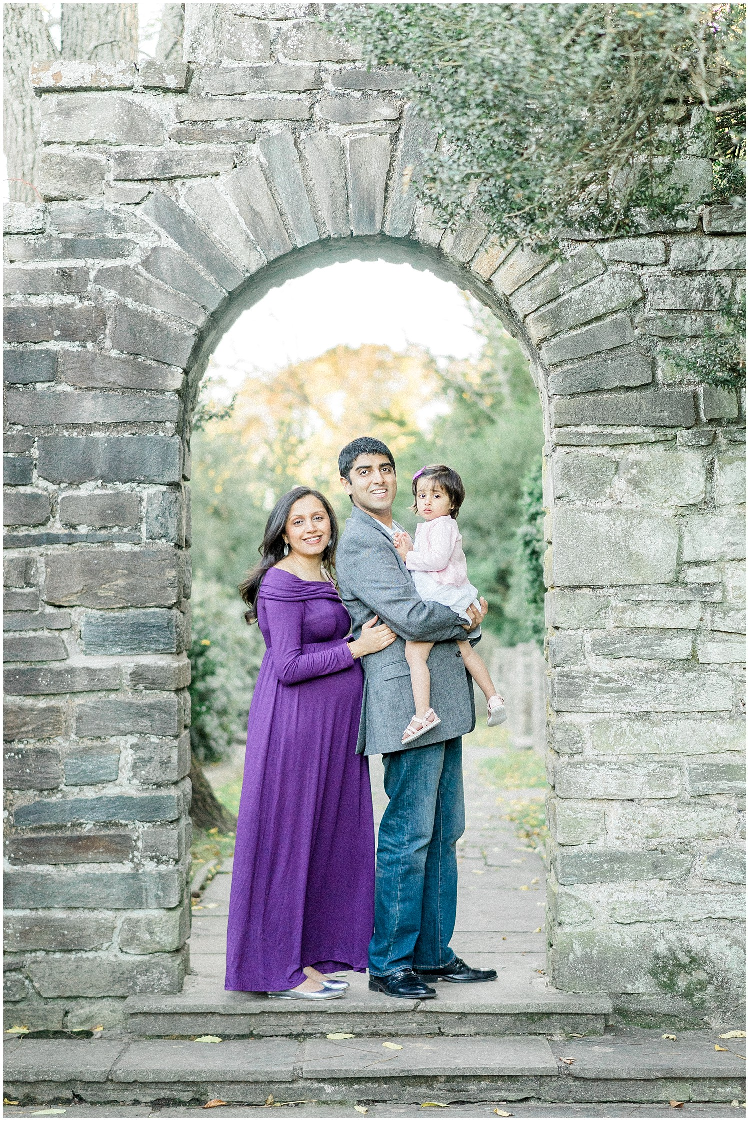 Winnie Dora Photography- Rockville, Maryland Maternity Session at Glenview Mansion